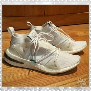 Adidas Women's Arkyn sneaker's in white